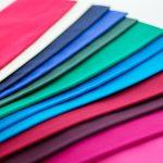 色とりどりの布の画像