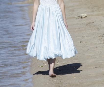 ミモレ丈のスカートの画像