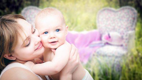 ママと赤ちゃんの画像