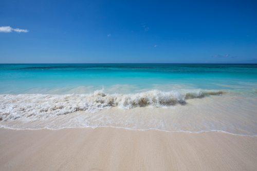 青い空と海の画像